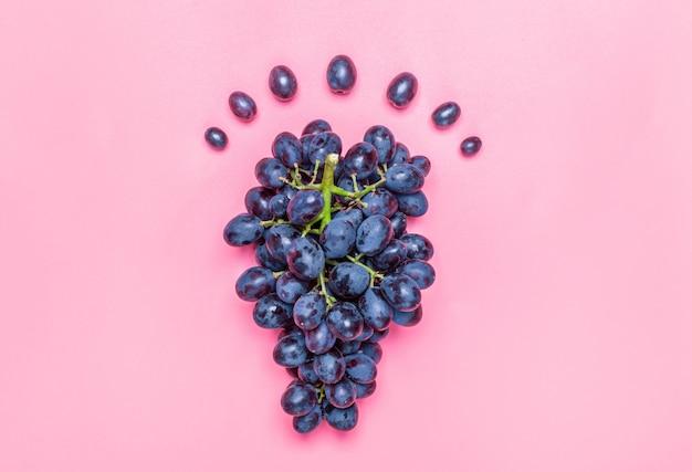Natuurlijke organische zwarte sappige druiven