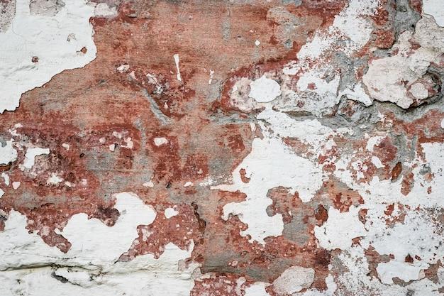 Natuurlijke vernietigde stenen muur