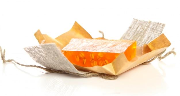 Natuurlijke zeep met verpakking