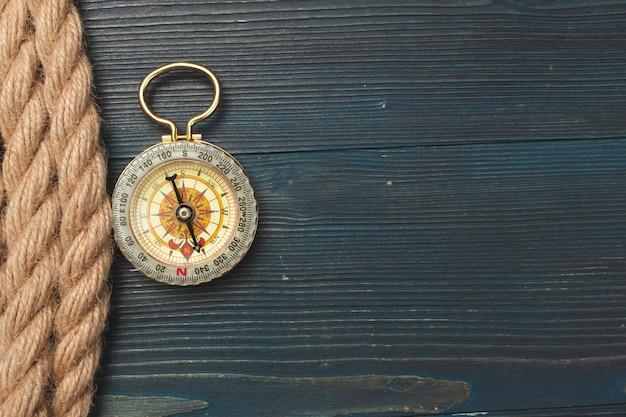 Nautical. zeilen touw met een kompas