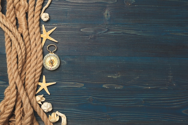 Nautisch. zeilen touw met een kompas