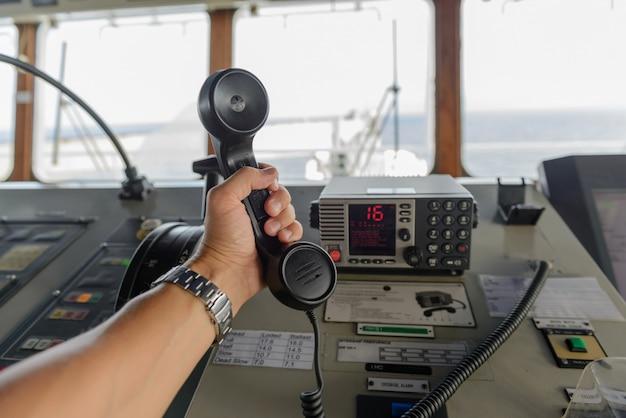 Navigatie bedieningspaneel en marifoon