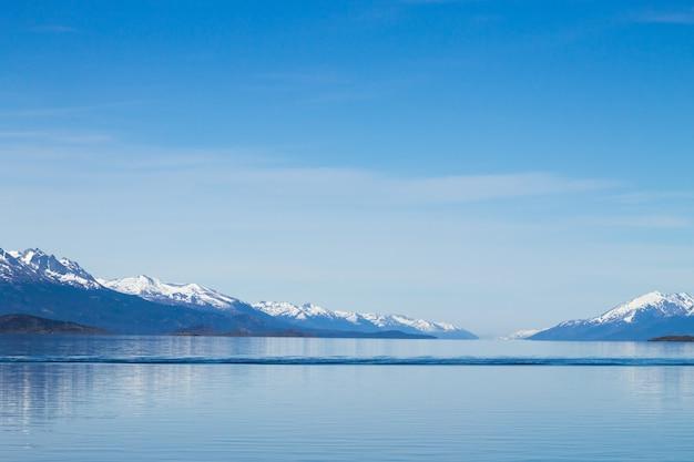 Navigatie op het beaglekanaal, het mooie landschap van argentinië