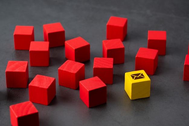 Neem contact met ons op pictogram op kleurrijke puzzel