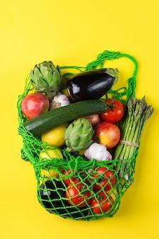 Nettas met fruitgroenten zonder afval plasticvrij concept