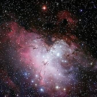 Nevel adelaar mist ic sternhaufen geopend