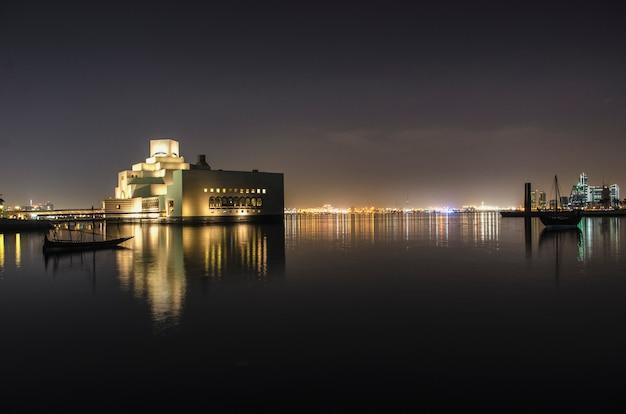 New qatar national museum 's nachts op juni 06