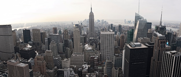 New york city skyline uitzicht vanaf rockefeller center, new york, verenigde staten