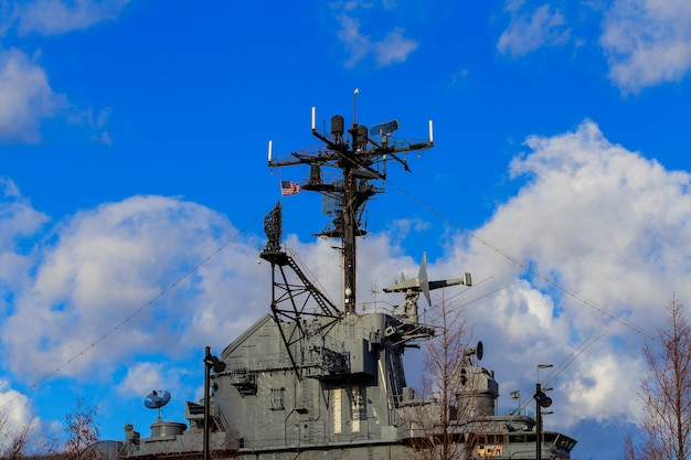 New york, ny - 10 juli: vliegdekschip uss intrepid vocht vandaag intrepid ligt aan de hudson river