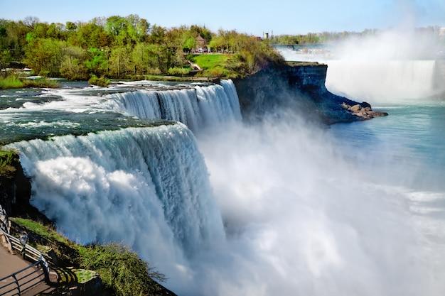 Niagara valt in de zomer