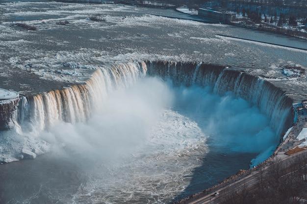 Niagara-waterval vanuit de luchtfoto van canada