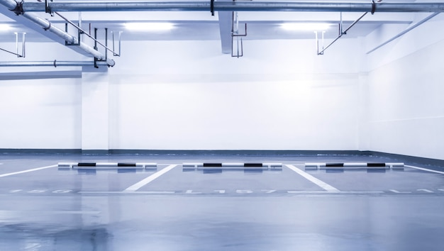 Niemand column parking neon binnenshuis