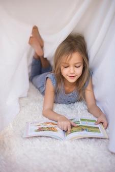 Niemand stoort haar tijdens het lezen