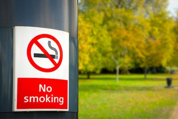 Niet roken bord & teken in het park