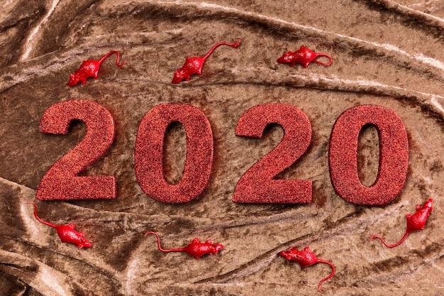 Nieuw chinees jaarnummer op bruin fluweel