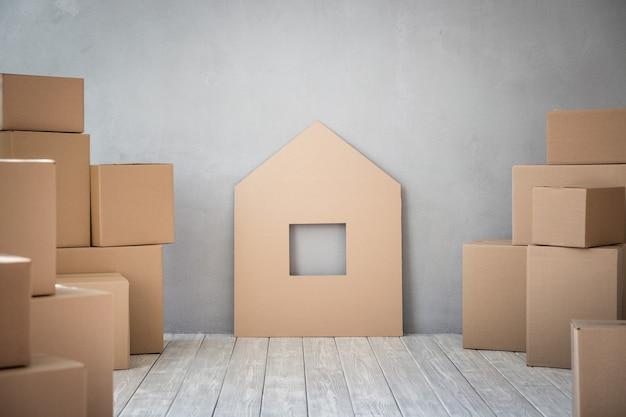 Nieuw huis, verhuisdag en vastgoedconcept