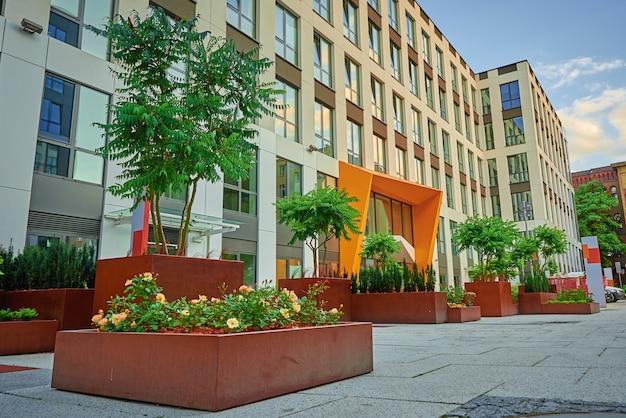 Nieuw modern complex van woonappartement in europa
