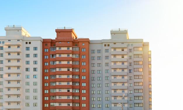 Nieuw woonblok gebouw. nieuwbouw appartementen