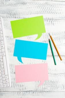 Nieuwe bedrijfsplanning onderzoeksideeën, belangrijke notities schrijven, informatie verzamelen, wereldwijde communicatieverbindingen, spraakvideobellen