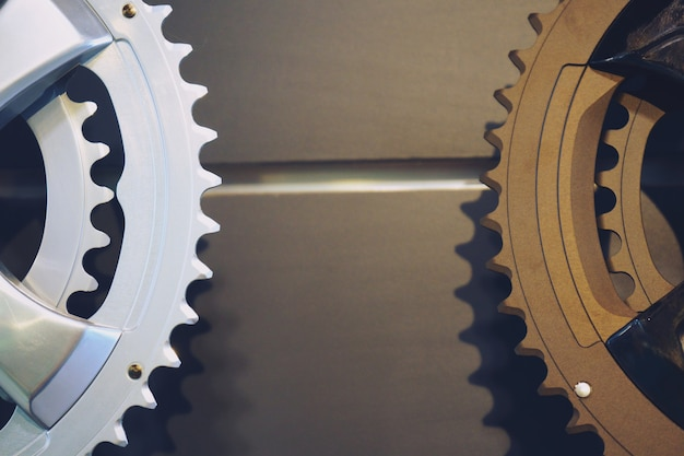 Nieuwe fietsonderdelen, ketting versnellingspook, transmissie, versnellingen cassette, achtergrond close-up