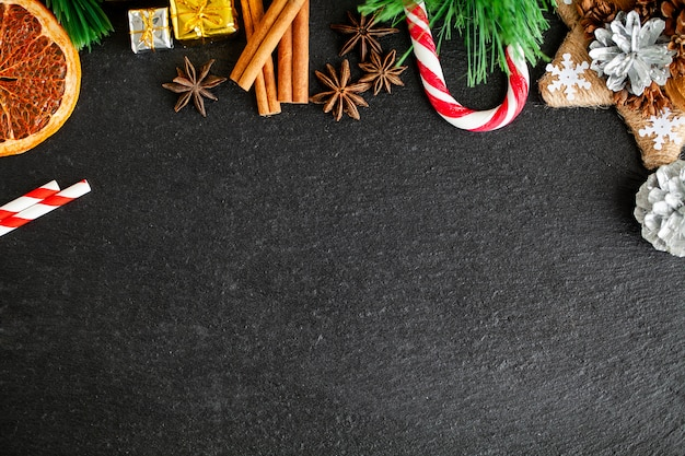 Nieuwe jaarachtergrond met kerstmisdecoratie