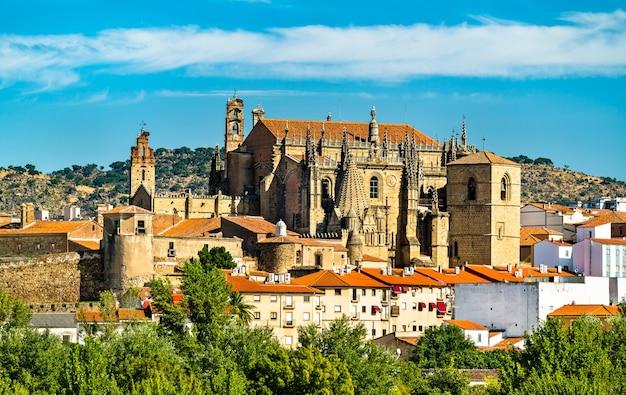 Nieuwe kathedraal van plasencia in spanje