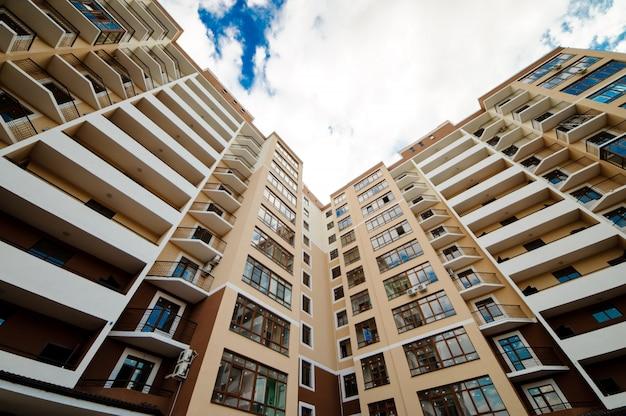 Nieuwe ontwikkeling, veel appartementen huis