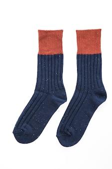 Nieuwe sokken op wit wordt geïsoleerd
