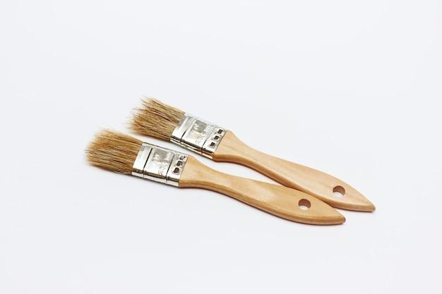 Nieuwe verschillende vernieuwingsborstels op wit