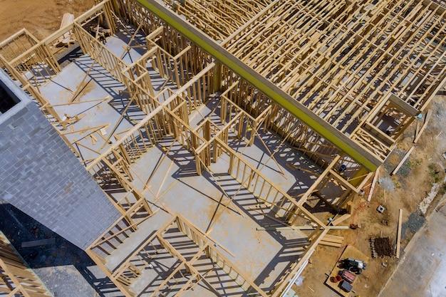 Nieuwe woningbouw inlijsten van een huis in aanbouw