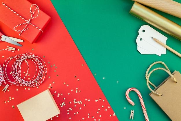 Nieuwjaar of kerstmis presenteert voorbereiding achtergrond