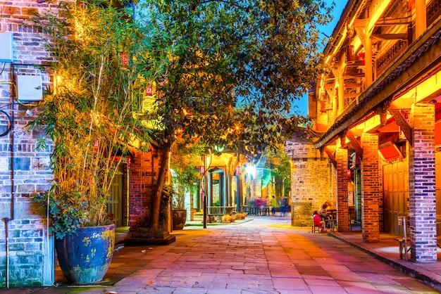 Nightscape van de oude stad van chengdu, de provincie sichuan, china