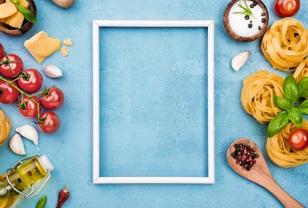 Noedels met groenten met frame