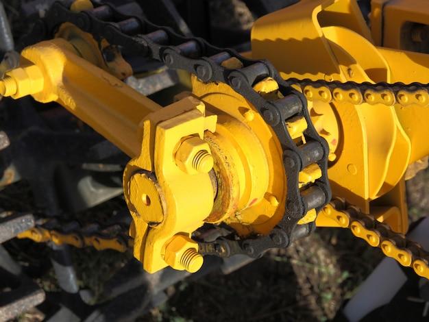 Nokkenastandwiel en ketting van een automotor