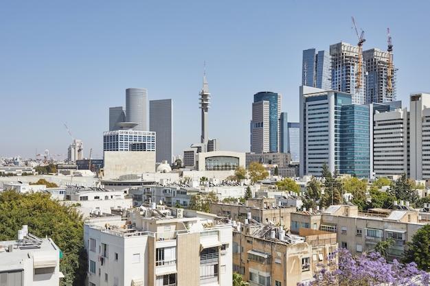 Noord-tel aviv uitzicht vanaf penthouse in de oude wijk.