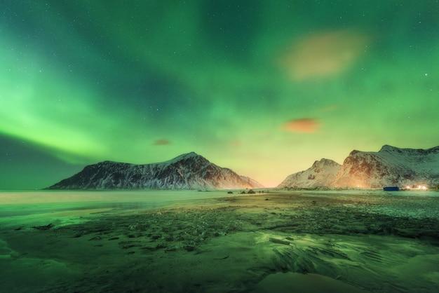 Noorderlicht op de lofoten-eilanden