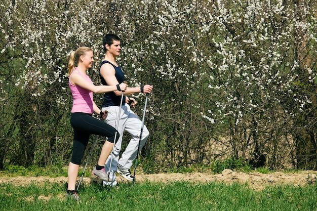 Nordic walking in het voorjaar
