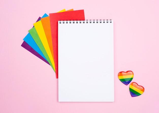 Notebook en harten badges
