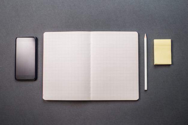 Notebook en mobiel