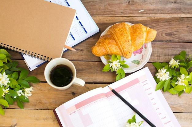 Notebook projectjaarplanner, kalenderboek voor zakelijk werk
