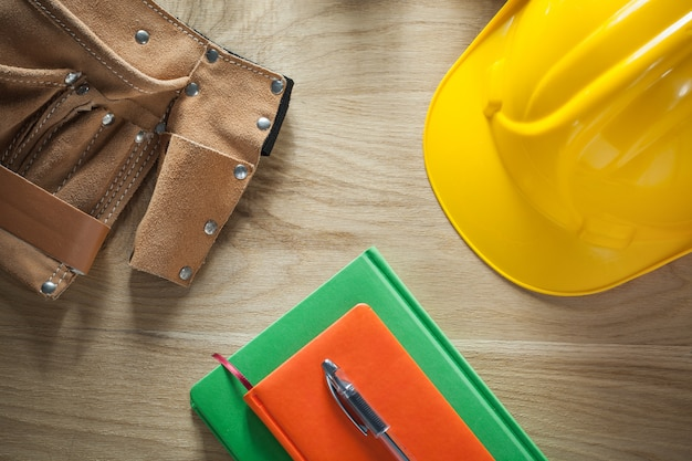 Notebooks balpen leren constructie riem bouwhelm