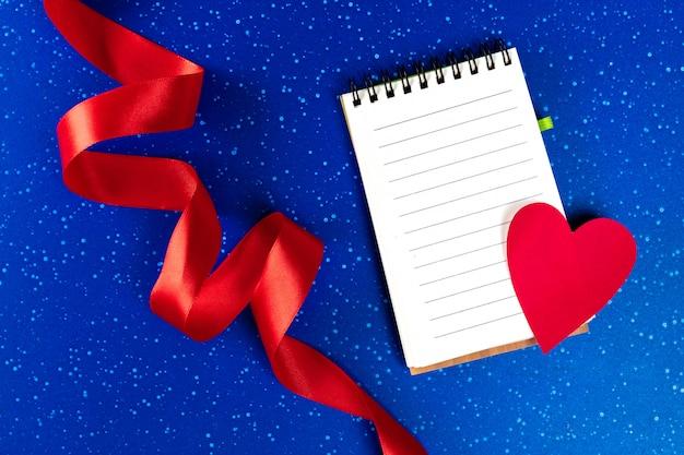 Notitieboekje en hart