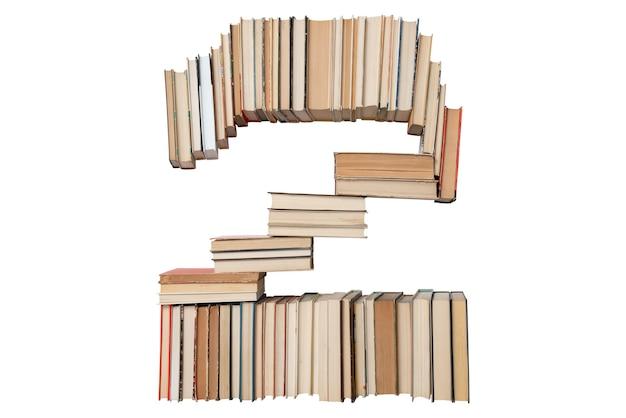 Nummer 2 gemaakt van boeken geïsoleerd op wit