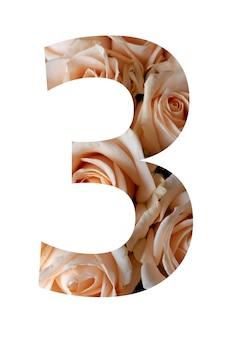 Nummer drie van roze bloemen op een witte muur