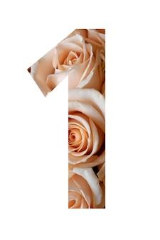 Nummer één van rozenbloemen op een witte muur,