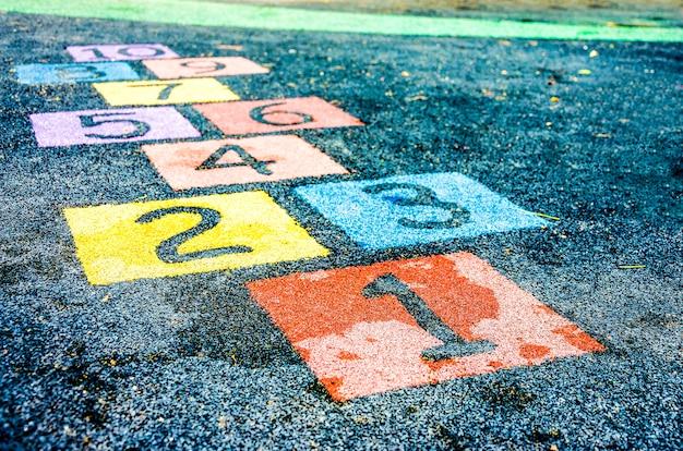 Nummer op speelplaats