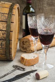 Octave en twee wijnglazen worden ontslagen