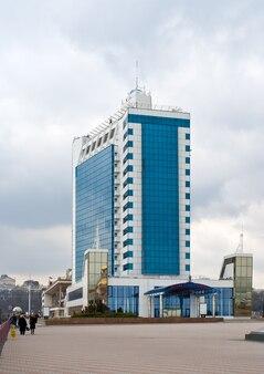 Odessa hotel in een zeehaven, oekraïne Premium Foto