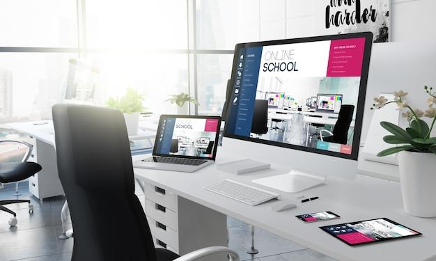Office desktop 3d-rendering met online school op het scherm