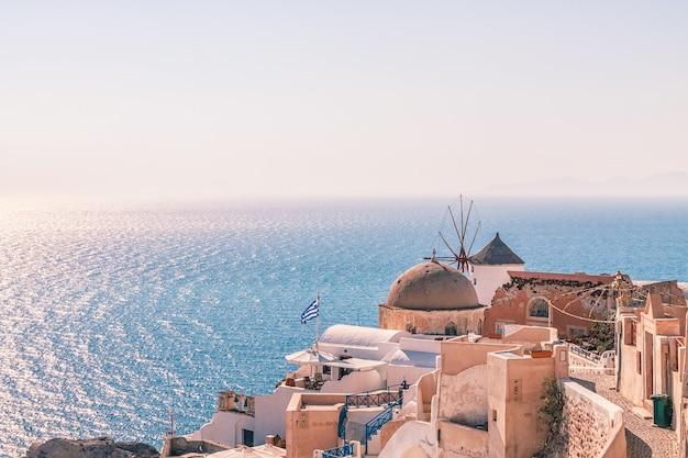 Oia dorp bij zonsondergang, santorini, griekenland
